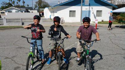 Fleet Street Bikes for Kids - Big Thumbs UP!