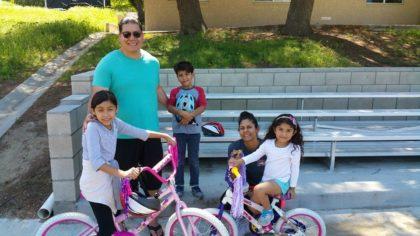 Fleet Street Bikes for Kids - Happy Family